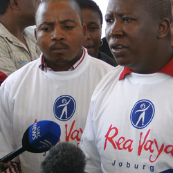 Urging the youth to take advantage of the Rea Vaya system